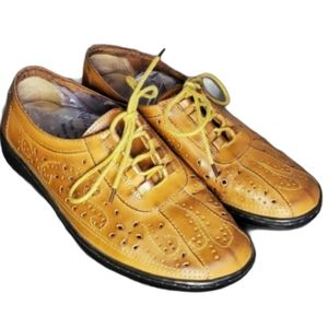 Tradition | Laser Design Faux Leather Shoes